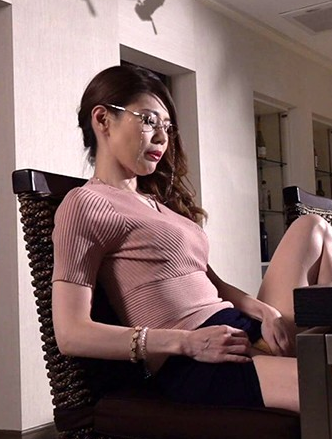 Glory Quest GVH-171 The Sexy PTA Chair And The Naughty St Council President Hibiki Yonezu