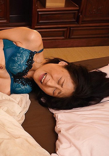 Jukujo JAPAN JUJU-263-B Beautiful Wives Only - Gorgeous Married Sluts Pounded Right Down To Their Wombs With Massive Cocks Moaning In Ecstasy For Creampie Fucks 40 Girls 8 Hours - Part B